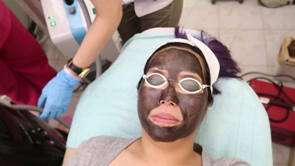 This Black Carbon Peel Made My Pores Look Smaller | Bloom
