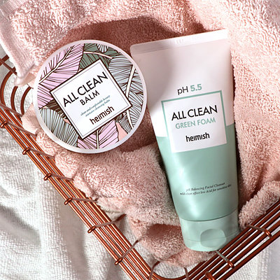 The Double Cleansing-Duo That Guarantees Clear Skin