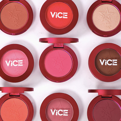 "These P145 Vice Cosmetics ""Aura"" Face Powders Are All You'll Want for Christmas"