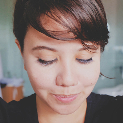 Exactly How to Apply False Lashes If You're a Total Noob