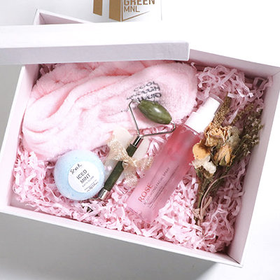 This Gift Set Is a Spa Experience in a Box