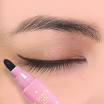 Watch: 4 Tools That Make Eyeliner Less Intimidating