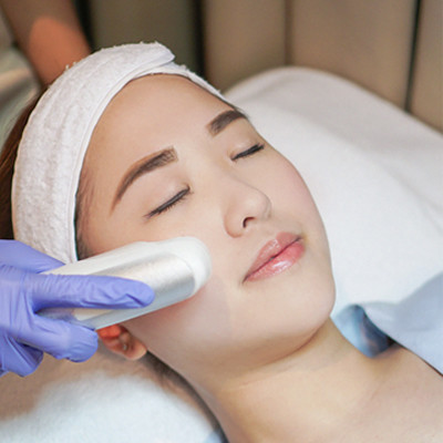 Why You Should Get a Hydra Facial This Week