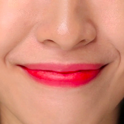 Watch: How to Make Sure Your Lip Tint Never Applies Patchy