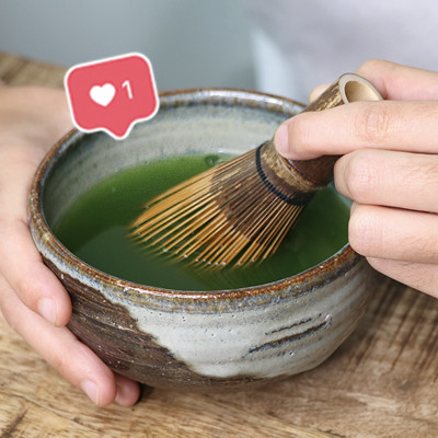 How to Make Matcha Tea for Spotless Skin and a Flat Tummy