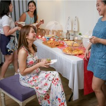 Clique Sparty Package for 5 People by Cozy Nail Lounge