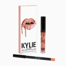 Kylie cosmetics lip kit show off
