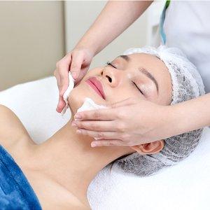 Whitening Facial for Boosting Skin Luminosity by SvelT'i