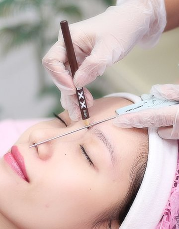 Fleek eyebrow and beauty clinic copy 8