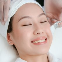 Lightening Peel for a Brighter Complexion by VMV Skin Research Centre + Clinics