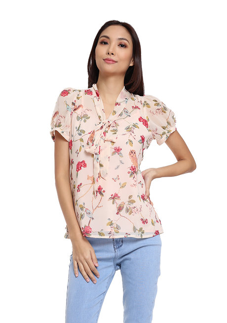 Manuela Pussybow Top by Chelsea