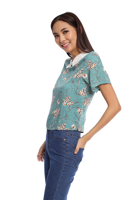Floral Printed Top with White Collar Detail by Glamour Studio