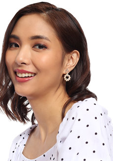 Kelly Pearl Earrings by Moxie PH