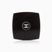 Poudre Universelle Compacte Pressed Powder by Chanel