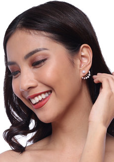 Cassiopeia Pearl Earrings by Chichii