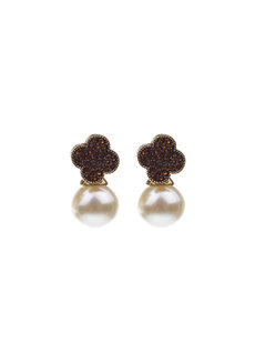 Liseran Clover Stud Earrings by Moxie PH