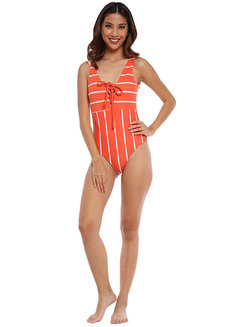 Moonie Lowback Maillot by Cesa PH