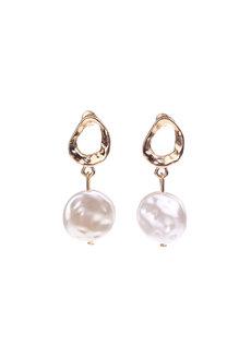 Mia Pearl Earrings by Dusty Cloud