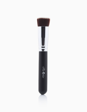 F102 Flat Top Kabuki Brush by The A-List