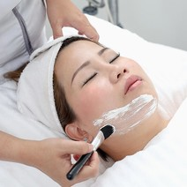 Acne Facial by Skinlux Aesthetic Center