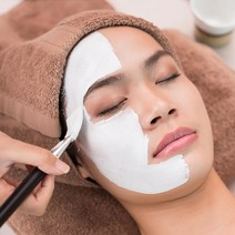 Acne Facial + PDT by Centro Estetico Rejuvenation Center