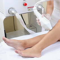 Diode Laser for Skirt-Ready Lower Legs by Skin & Body by MEDICard