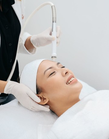Facial dry and wet dermabrasion copy 2
