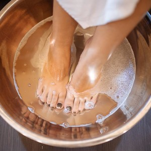 Foot Spa with Ginger Mint Sea Salt Scrub + Pedicure by Nailconcept