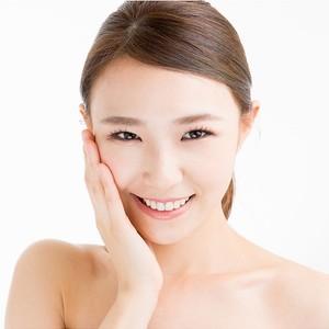 Skin Whitening Carbon Facial Therapy by Privé Estética