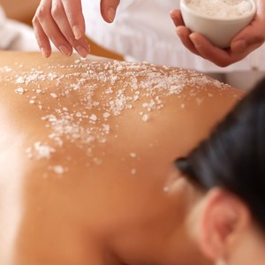 Detoxifying Seaweed Body Scrub by Skin Buffet Aesthetic Clinic