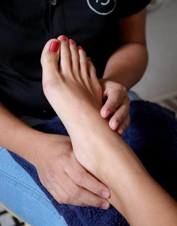 Mani   pedi   foot massage copy 5