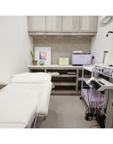 Clinic interiors copy 7