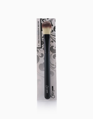 PRO #4 Concealer Brush by Charm