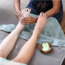 Lemongrass/Peppermint Foot Spa + Pedicure by Nail Mama