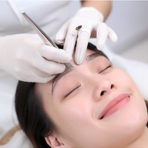 3D Eyebrow Embroidery for Fuller Brows by The Eyebrowdery
