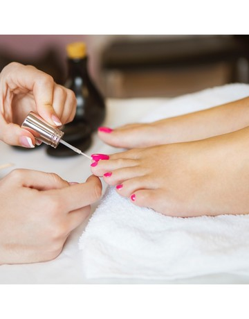 Special gel manicure   hand spa