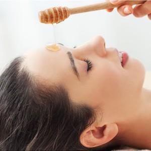 Manuka Honey Facial for Deep Pore Cleansing by Rejuvidence Aesthetics Centre