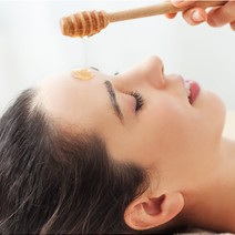 Manuka Honey Facial for Deep Pore Cleansing by Rejuvidence Aesthetics Centre