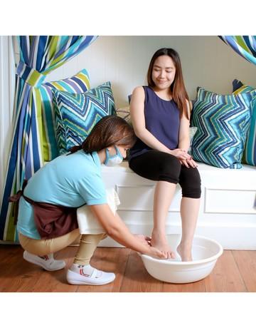 Mani pedi foot spa   hand   foot skin treatment wrap