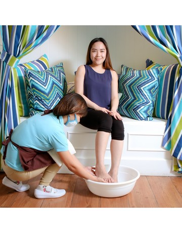 Mani pedi foot spa   hand   foot skin treatment wrap copy